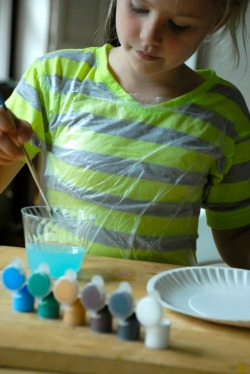 15 life hacks and ideas that every mom should know- press n seal  art smock bib