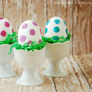 7 Creative Ways to Dye Easter Eggs - Glitter Eggs