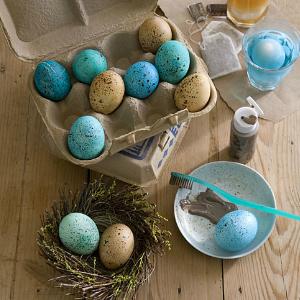 7 Creative Ways to Dye Easter Eggs - Speckled Easter Eggs